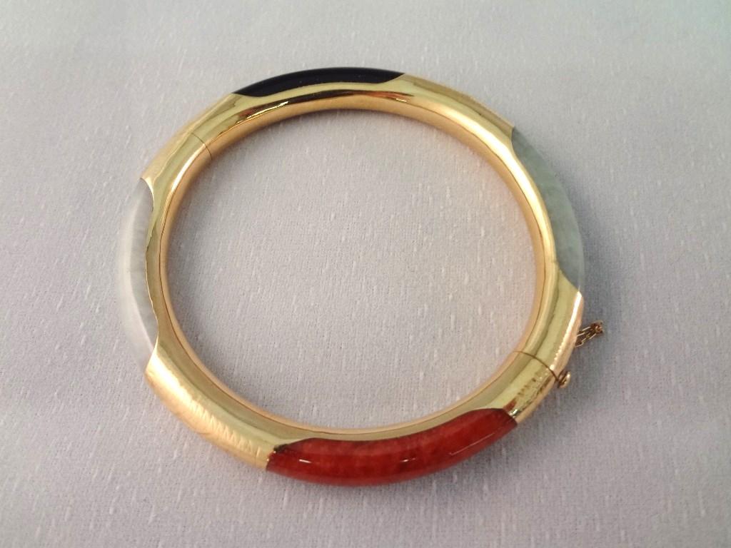 14k Gold And Multi Color Jade Jewelry Suite Necklace 2 Bracelets