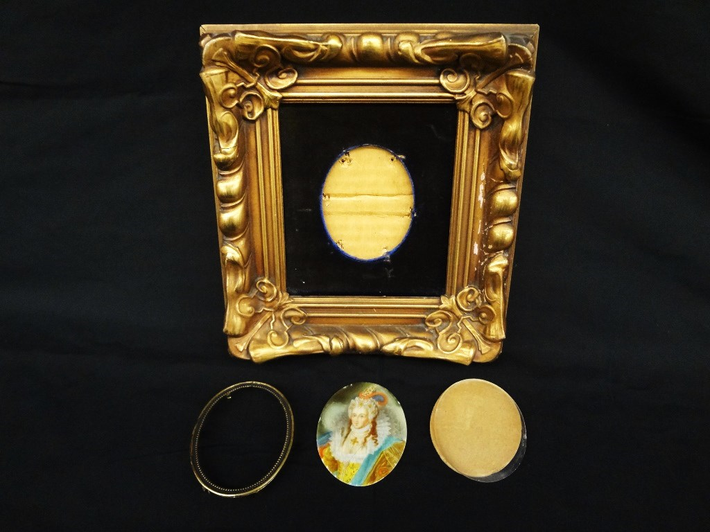 Lot Detail - Hand Painted Miniature Aristocrat Signed Holbein 2.5 x ...
